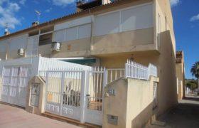 Triplex en los Alcázares en bonito residencial