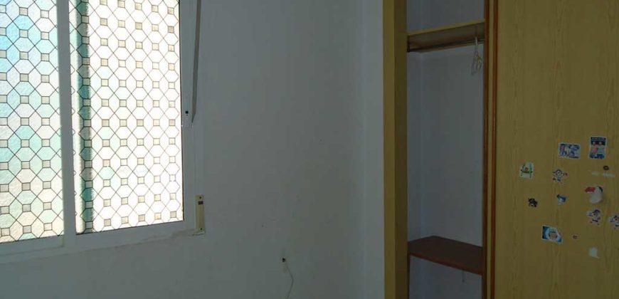 Piso de tres dormitorios